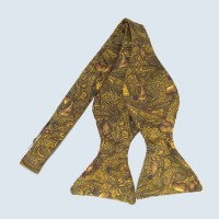 Fine Silk Pheasant Paisley Self-tie Bow tie in Gold