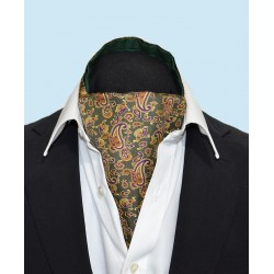 Fine Silk Dynamic Dancing Paisley Pattern Cravat in Green