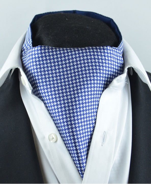 Fine Silk Classic Houndstooth Pattern Cravat in Navy